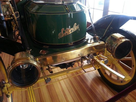 Cascades Restaurant at the Stanley Hotel: Stanley's automobile