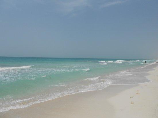 Khalidiya Palace Rayhaan by Rotana: Saadiyat beach