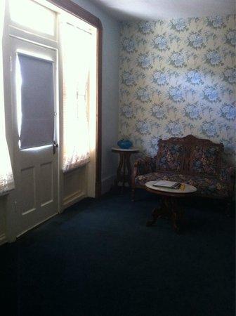 Palace Hotel & Bath House Spa : Rm 6. Balcony room