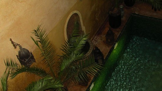 Riad du Petit Prince: Water feature