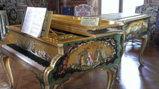Château de Bizy : Piano