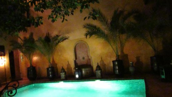 Riad du Petit Prince: By the mini pool