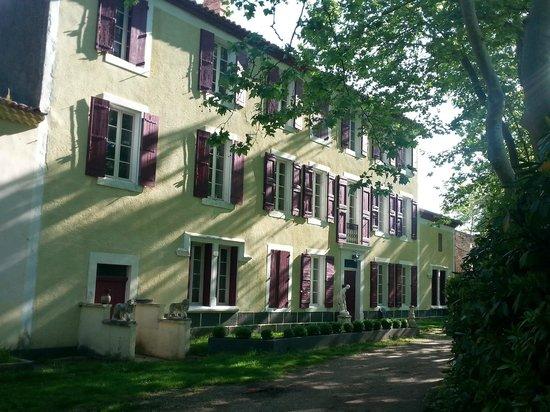 Chateau Lavail : façade entrée