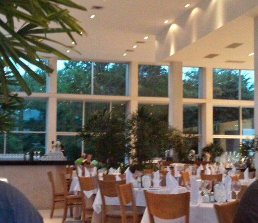 Luxury Bahia Principe Sian Ka'an: Buffet at San Ka'an. I loved this room.