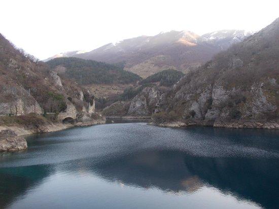 Villalago, איטליה: lago san domenico - veduta