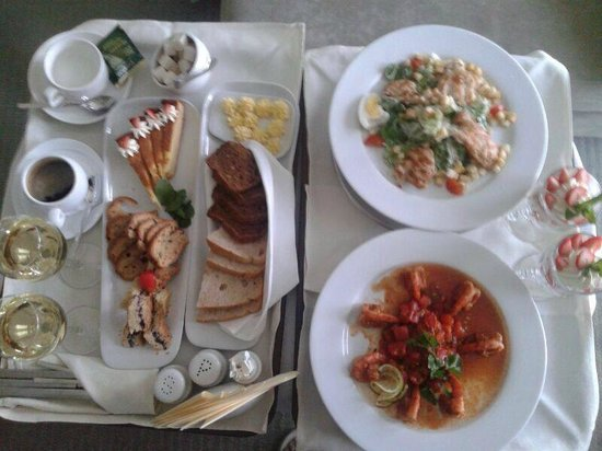 NasHotel: ужин салаты+десерт