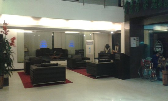 Hotel T.A.P. Gold Crest: lobby