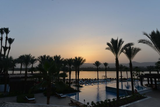 Hilton Luxor Resort & Spa : Beach view