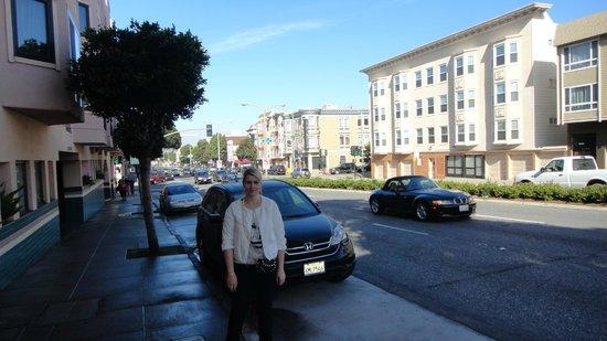 Buena Vista Motor Inn: Гостиница - вид с улицы