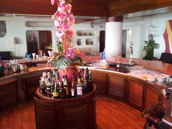 Hotel Sol e Mar : The rainbow bar