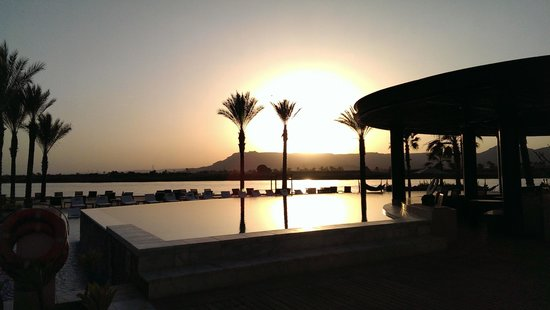 Hilton Luxor Resort & Spa : Sunset hotel