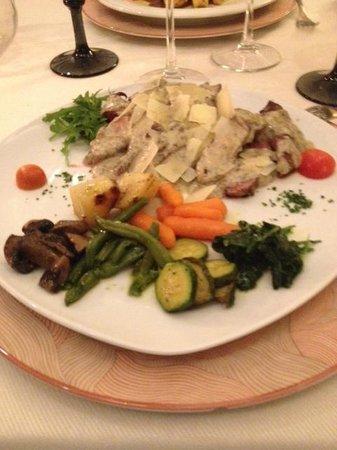 La Vecia Mescola: Tagliata di manzo con tartufo e scaglie di grana
