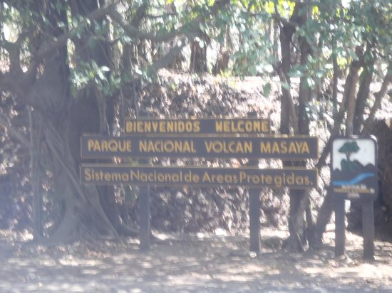 Masaya Volcano National Park : sign