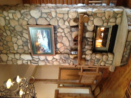 The Lodge at Breckenridge: The main hall.