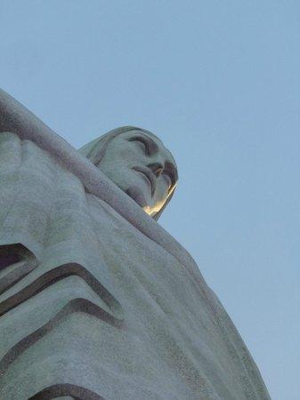 Statue du Christ Rédempteur : A close up