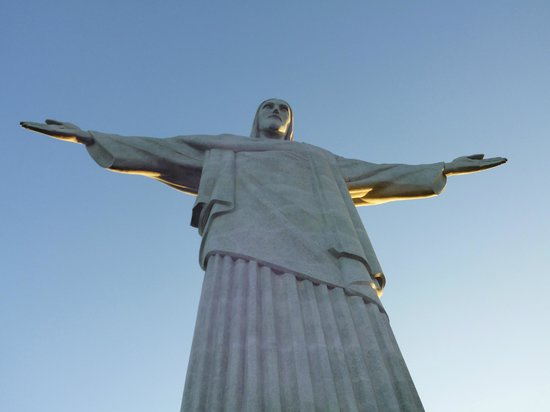 Statue du Christ Rédempteur : An awe-inspiring inconic statue