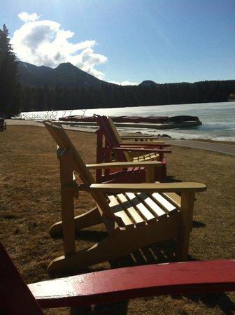 Fairmont Jasper Park Lodge: Lakeside
