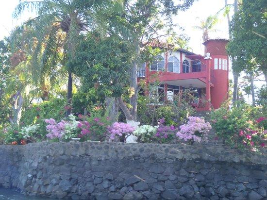 Islets of Granada : pretty house
