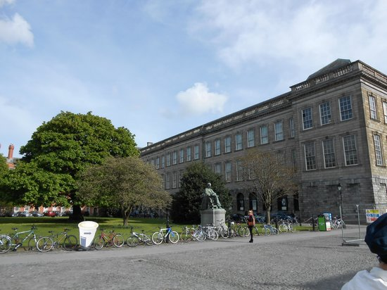 The Book of Kells and the Old Library Exhibition : Libreria, exteriores