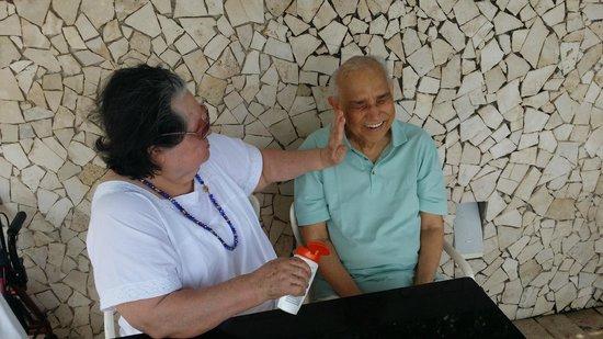 Holiday Inn Cartagena Morros : Los abuelos en la piscina