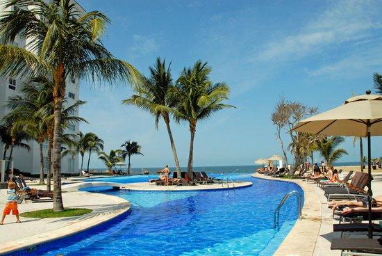 Dreams Villamagna Nuevo Vallarta: Infinity pool