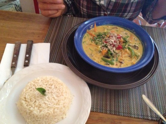 Resto Teatro Cocoliche : Curry Amarillo (Yellow Curry). Tastes amazing