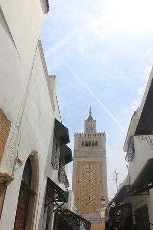 Zitouna Mosque : Alrededores