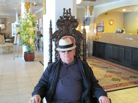 The Flanders Hotel: The king on his throne...in the lobby