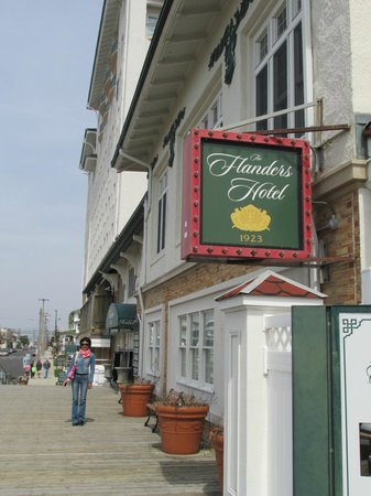 The Flanders Hotel: On the walk to the Flanders from the boardwalk