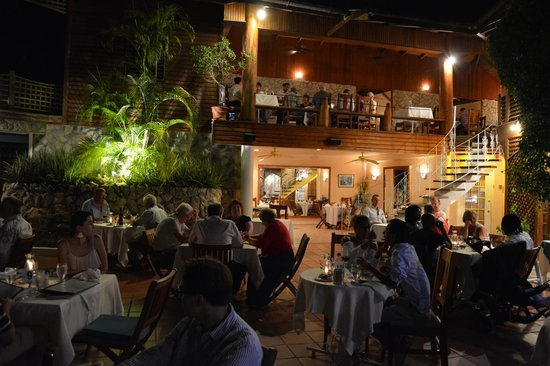 The Seahorse Inn: Night