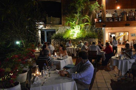 The Seahorse Inn: Ready for a great dinner