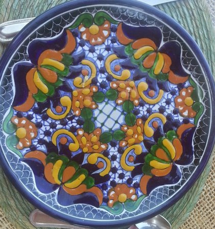 Casa Cuitlateca: i love the design of this plate-thinking of buying myself a set
