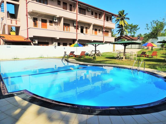 Green View Hotel & Restaurant Katunayake