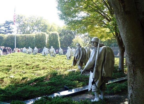 Monumento a los veteranos de la Guerra de Korea: Aterrorizado