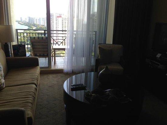 Palm Beach Marriott Singer Island Beach Resort & Spa : 2 bedroom suite - room 2105