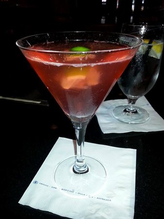 Hilton Times Square: delicious drinks at the bars