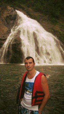 Ticlo Resorts : водопад