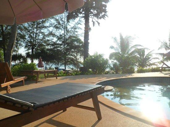 Good Days Lanta Beach Resort: Piscine