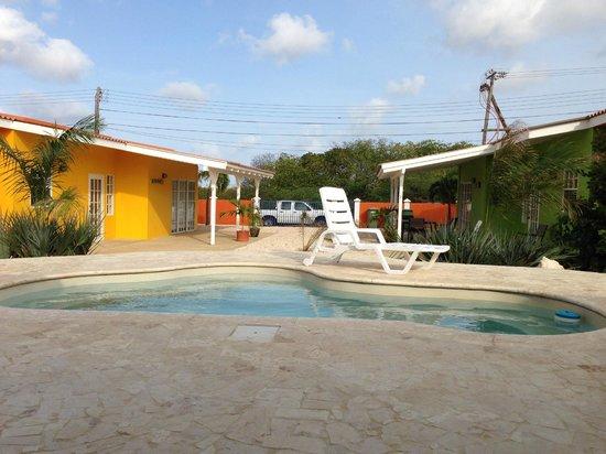 CoralSea Apartments Bonaire: uitzicht vanuit ons appartement