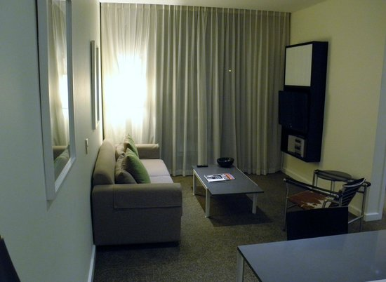 เมดินาแกรนด์เพิร์ทอพาร์ทเม้น: Lounge