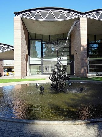 Museo Jean Tinguely: Jean Tinguely Museum