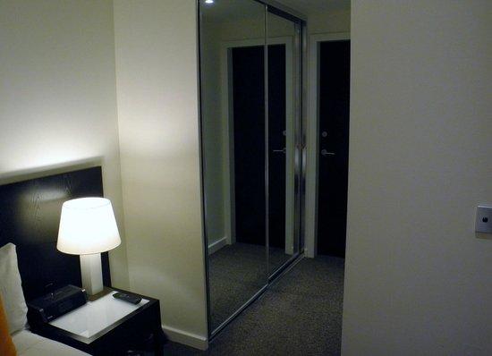 Adina Apartment Hotel Perth: Wardrobes