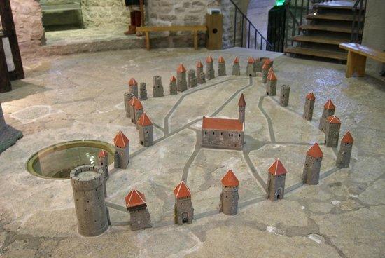 Кик-ин-де-Кёк: Amazing replica of how many towers there were