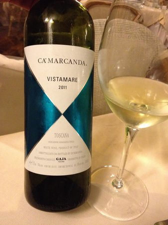 L'Approdo Restaurant : Nice White Wine (but not in Campania but in Toscana...)
