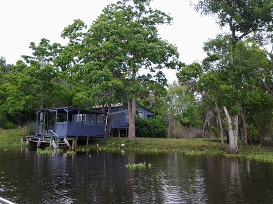 House back in the bayou-no electric no roads