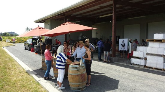 Judd's Hill Winery and MicroCrush: Pickup party