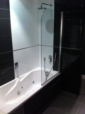 Barceló Brno Palace : Bathroom