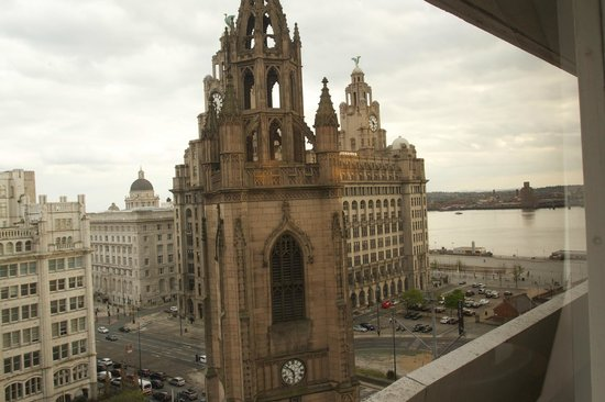 Mercure Liverpool Atlantic Tower Hotel: View from room 1007 (10th floor)