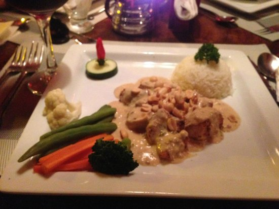 Restaurant Exotica : Chicken In A Peanut Sauce