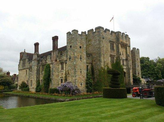 Hever Castle & Gardens: Hever Castle May 2014